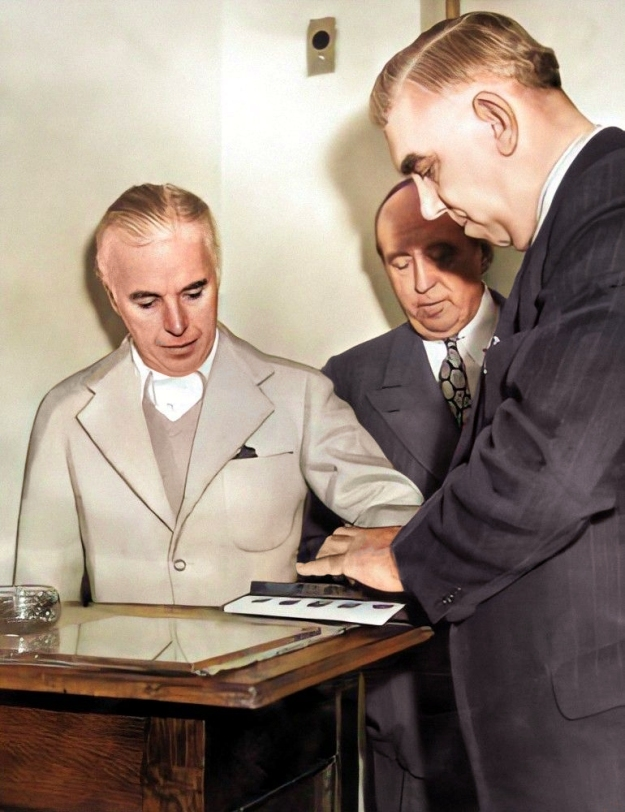 chaplin being fingerprinted in 1944